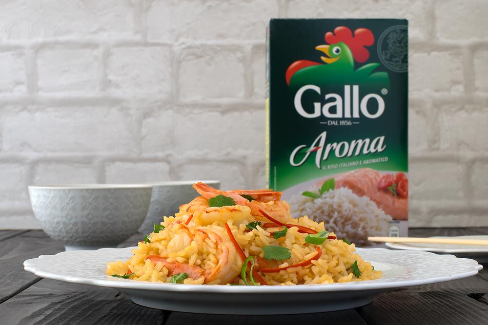 Ricetta thailandese con riso saltato e gamberi